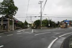 白鬚神社を直進(写真右方向)